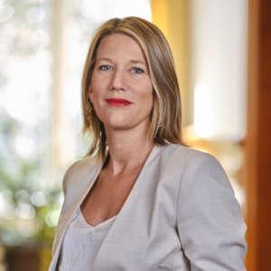 Maitre Julie Dufaut - avocat expérimenté en droit des établissements de santé et en droit des dommages corporels