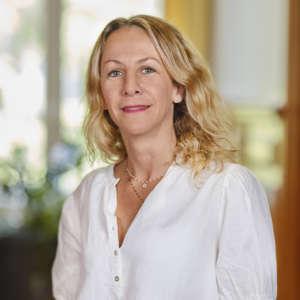 Maitre Delphine Hirn - avocat expérimenté en droit de la responsabilité civile et en droit de la santé